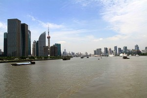 Huangpu_River_in_shanghai